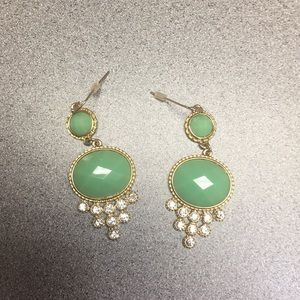 Jewelry - Brand new Lon drop earrings